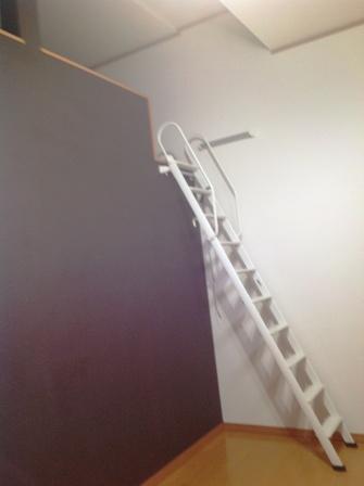 105の階段 改修前2web