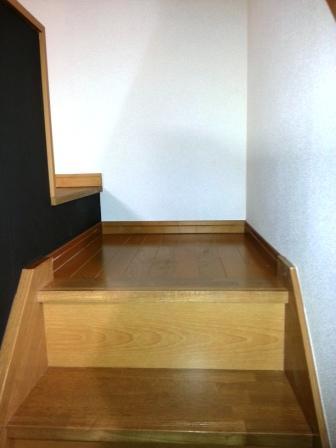 105の階段 踊場web