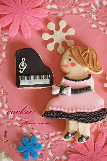 クッキー型女の子ピアノ発表会