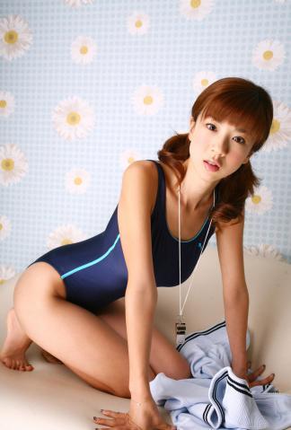 aki_hoshino_dgc1025.jpg