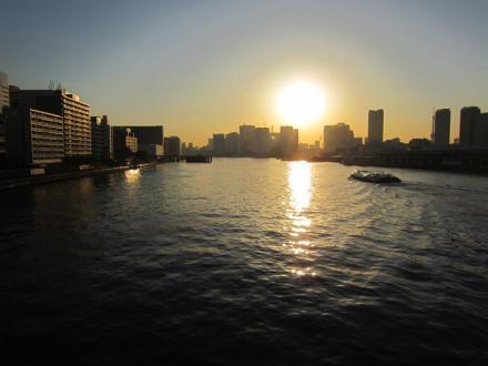 勝鬨橋から見た夕日