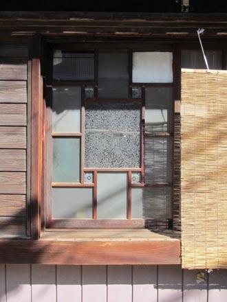 横須賀散策\窓