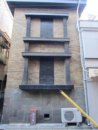 台東3丁目 スクラッチタイル貼りの蔵 ②