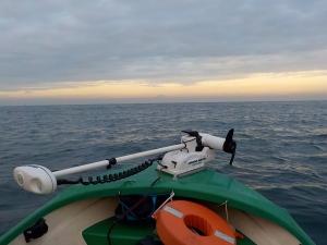 館山 釣り 008-富士山にむかって出航