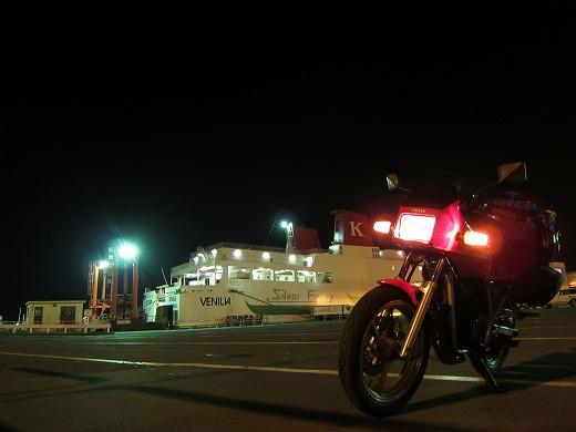 苫小牧港 1