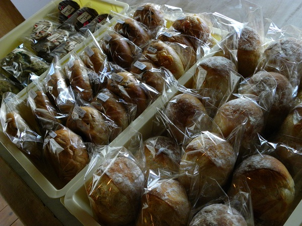 今日のお菓子とパン