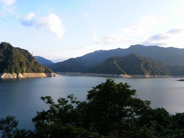田子倉湖の水位
