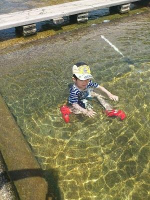 社長水遊び2