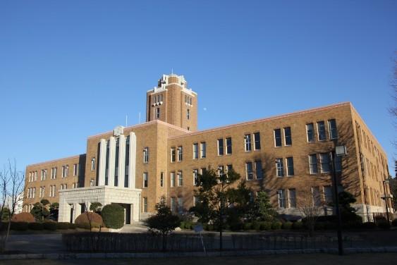 復元された旧県庁