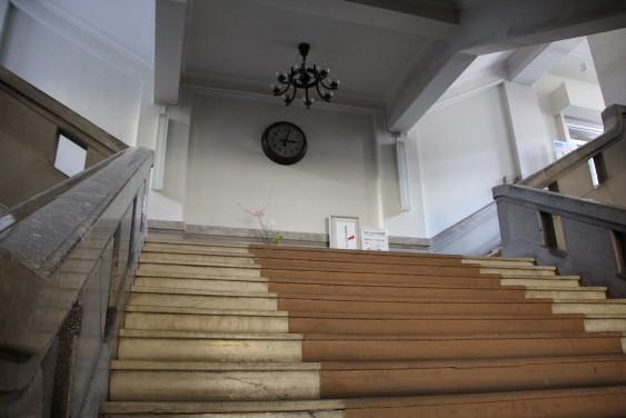 玄関中央階段