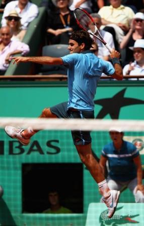 federer jumping forehand2
