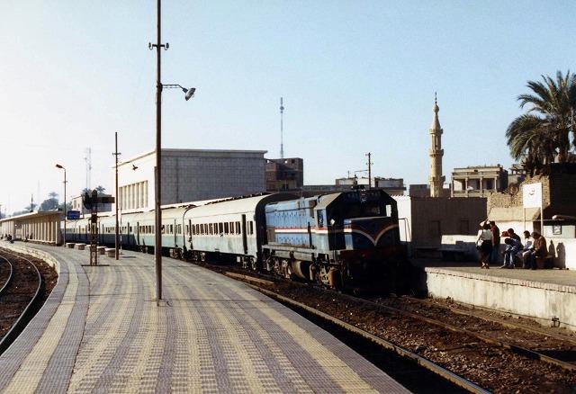 22ルクソール普通列車274