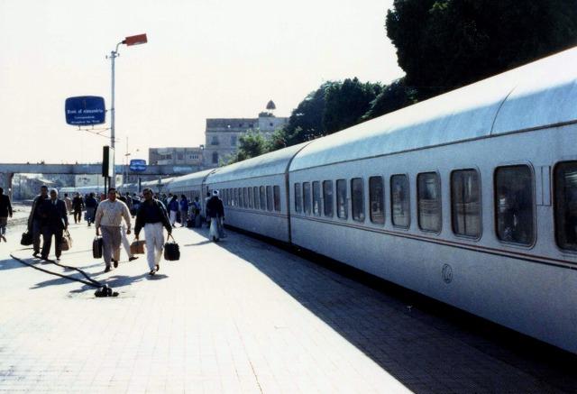 28アスワン駅281