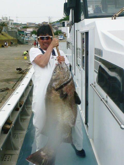小坪港洋征丸でイシナギ釣り