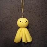 幸せを呼ぶ黄色いてるてる坊主くん
