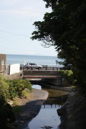 海が見える橋