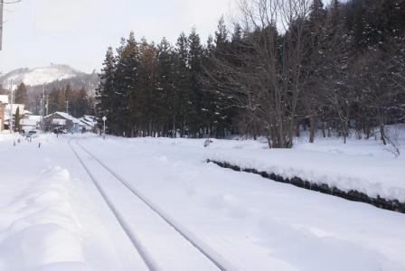 只見線雪の線路
