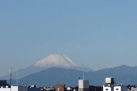 富士の高嶺に雪はふりつつ