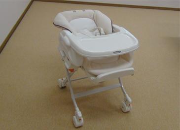 乳児用のイス-1
