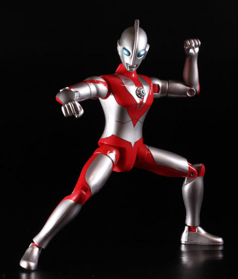 actionhero_ultramanpowerd_08.jpg