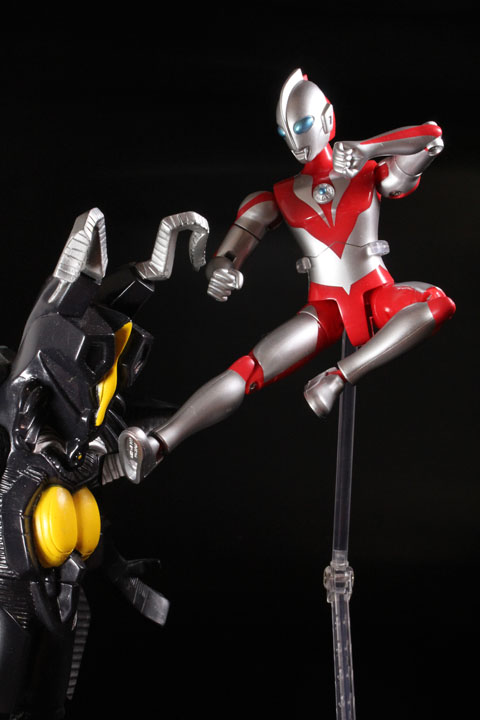 actionhero_ultramanpowerd_14.jpg