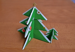 クリスマスツリー折り紙