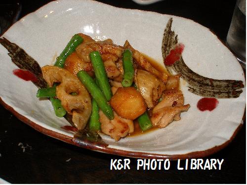 里芋と大山鶏の照り煮