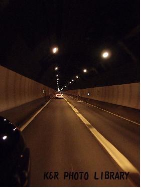 笹子トンネル走行中