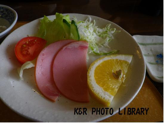 7月21日大瀬崎朝食ハム&サラダ
