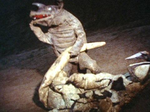 エレキングの尻尾を取る作戦のアギラ