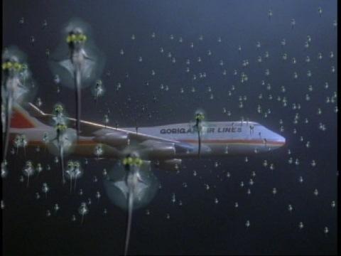 ゴリガン航空206便を襲うクリッター