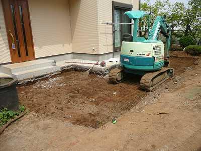 家の前を掘り返しました