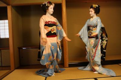 2012-04-28-舞妓 とし真菜-