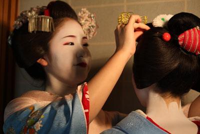 2012-04-28-舞妓 とし真菜2