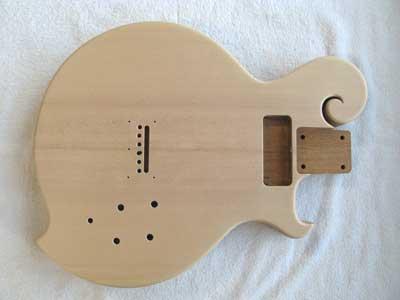 エレキギターボディ磨き