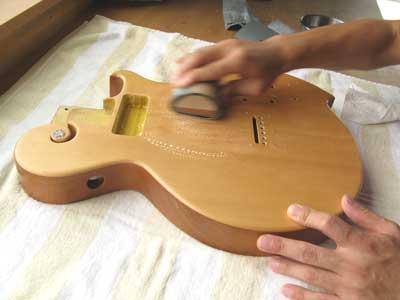 ギター塗装・水研