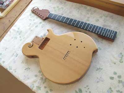 ギター組み立て