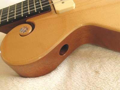 シンラインギターサウンドホール