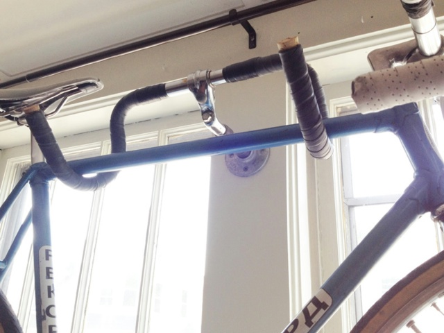 DIY_Bike_Hanger_01.jpg