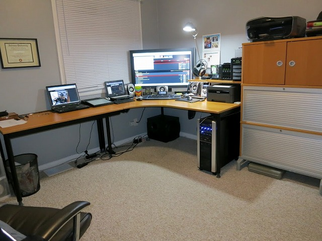 Desktop3_122.jpg