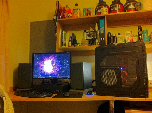 Desktop3_98.jpg