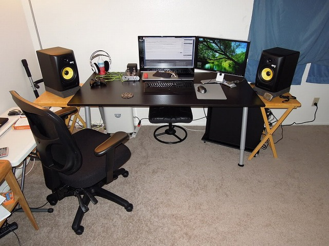 Desktop4_101.jpg