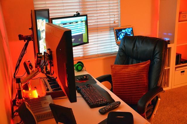 Desktop4_98.jpg