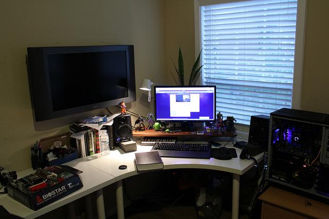 Desktop6_103.jpg