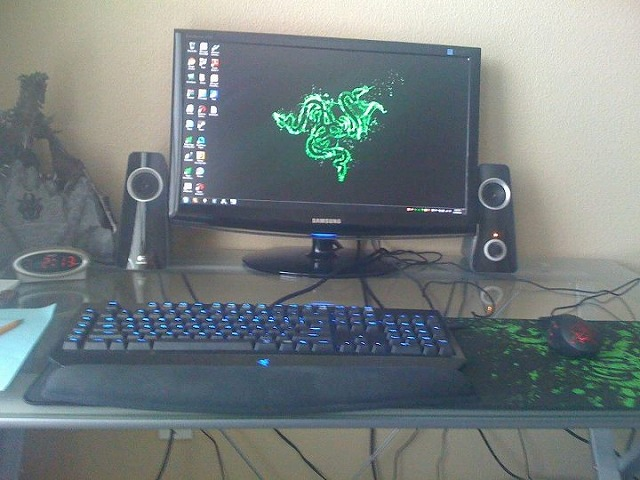 Desktop_Razer_124.jpg