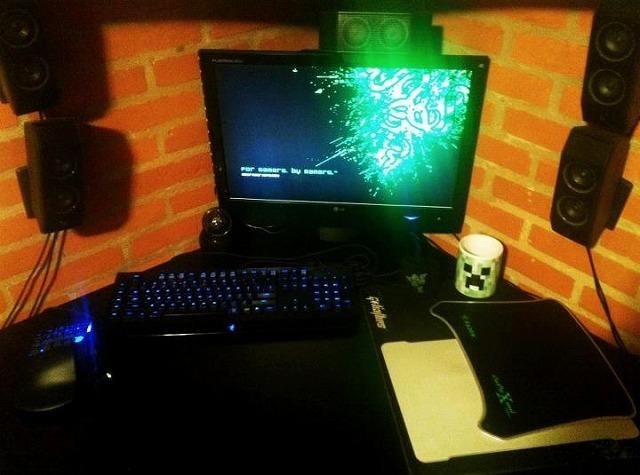 Desktop_Razer_137.jpg