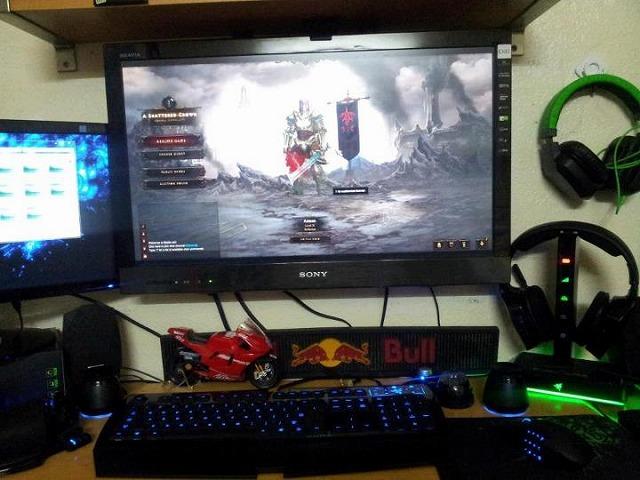 Desktop_Razer_207.jpg