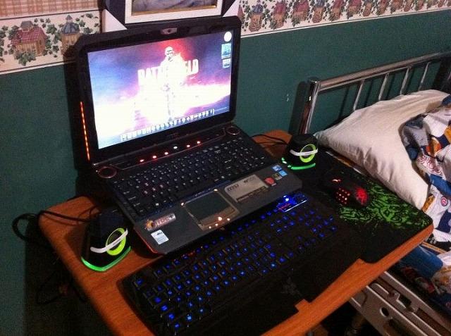 Desktop_Razer_221.jpg