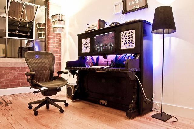 Piano_Desk_01.jpg