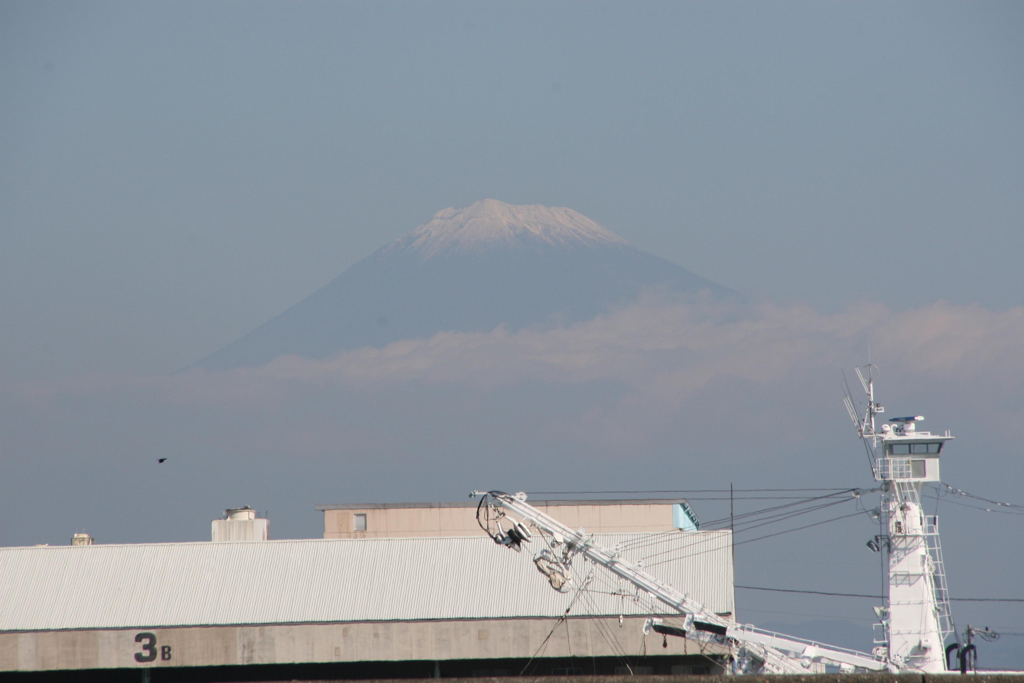 20121026焼津港富士山